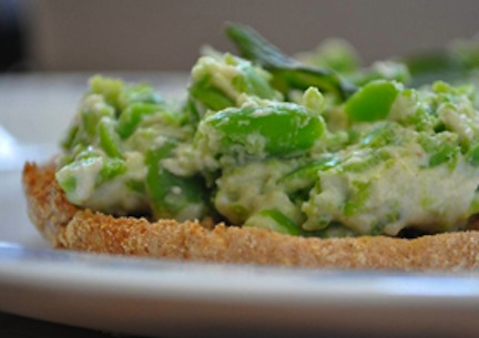 Fava-Bean-Crostini_small_Lee